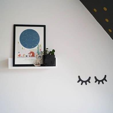 In the blink of an eye, they grow big – keep the memory alive of how it all started! That magical moment captured with the map of the stars.✨⠀ Thank you, @familie.jozi, for sharing Rif's lovely wall!😘 #blinkofaneye #birthposter #skyatbirth #mrstarskyamsterdam⠀ .⠀ .⠀ .⠀ .⠀ .⠀ .⠀ #birthgift #babygiftideas #geboorteposter #kraamcadeau #kraamkado #geburtsgeschenk #geburtsposter #babykamer #babykamerstyling #nursery #nurserydecor #kidswallart #walldecoration #gallerywall #januarbaby2019 #zwanger #mommytobe #geboorte #geboortecadeau #starrysky #personalizedgift #momblogger #kleinerfeinerfeed #vtwonenbijmijthuis #40weken #geboortekado